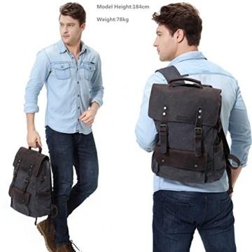 Vaschy Vintage Rucksack getragen